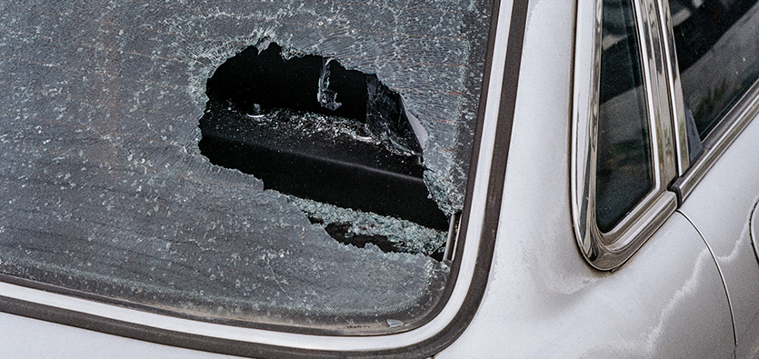 Reasons To Fix Your Cracked Windshield Before Winter Arrives